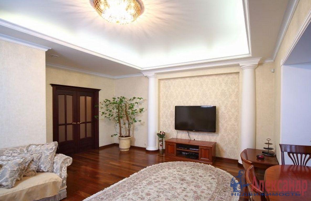 3-комнатная квартира (100м2) в аренду по адресу Пушкинская ул., 2— фото 1 из 3