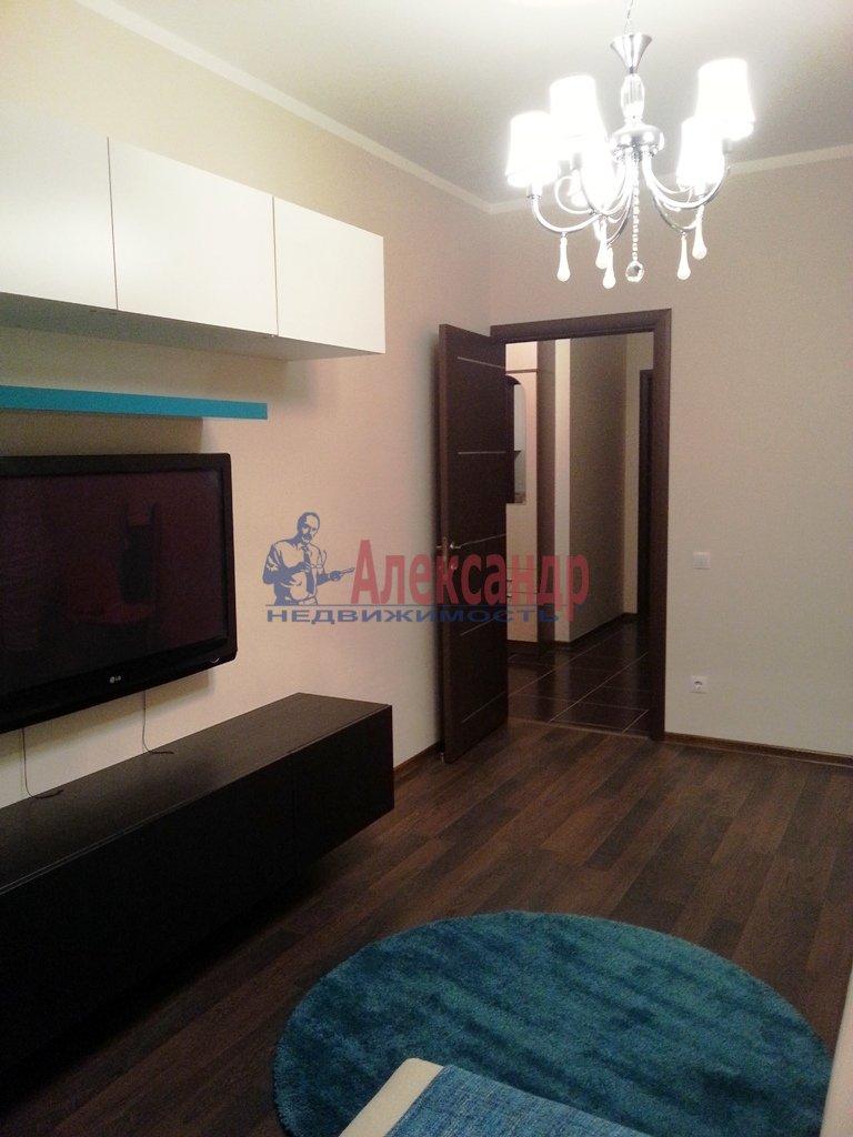 2-комнатная квартира (70м2) в аренду по адресу Народного Ополчения пр., 10— фото 15 из 17