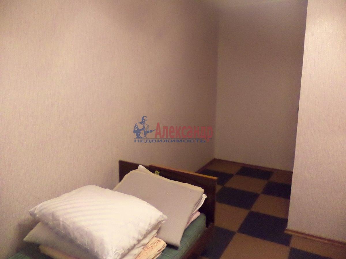 3-комнатная квартира (65м2) в аренду по адресу Белы Куна ул., 6— фото 9 из 11