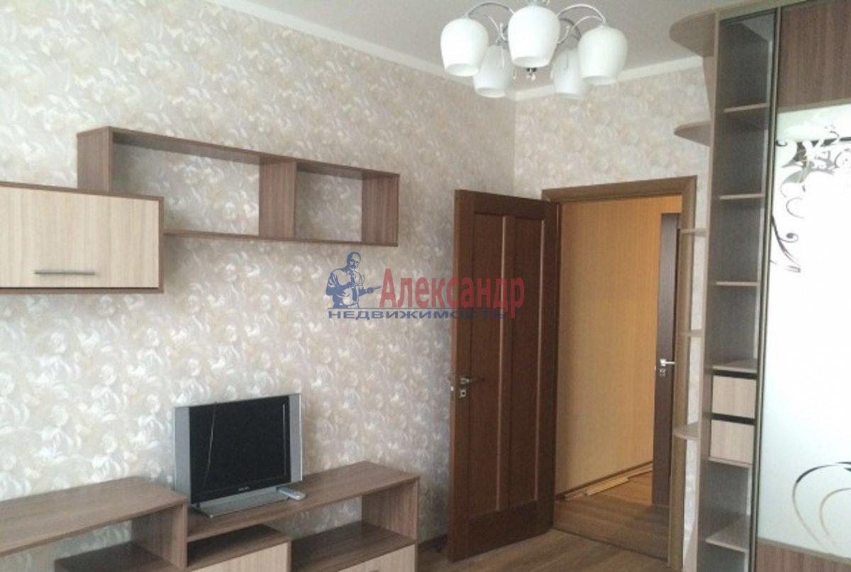 2-комнатная квартира (70м2) в аренду по адресу Просвещения пр., 15— фото 1 из 8
