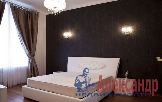 2-комнатная квартира (75м2) в аренду по адресу Дивенская ул., 5— фото 2 из 4