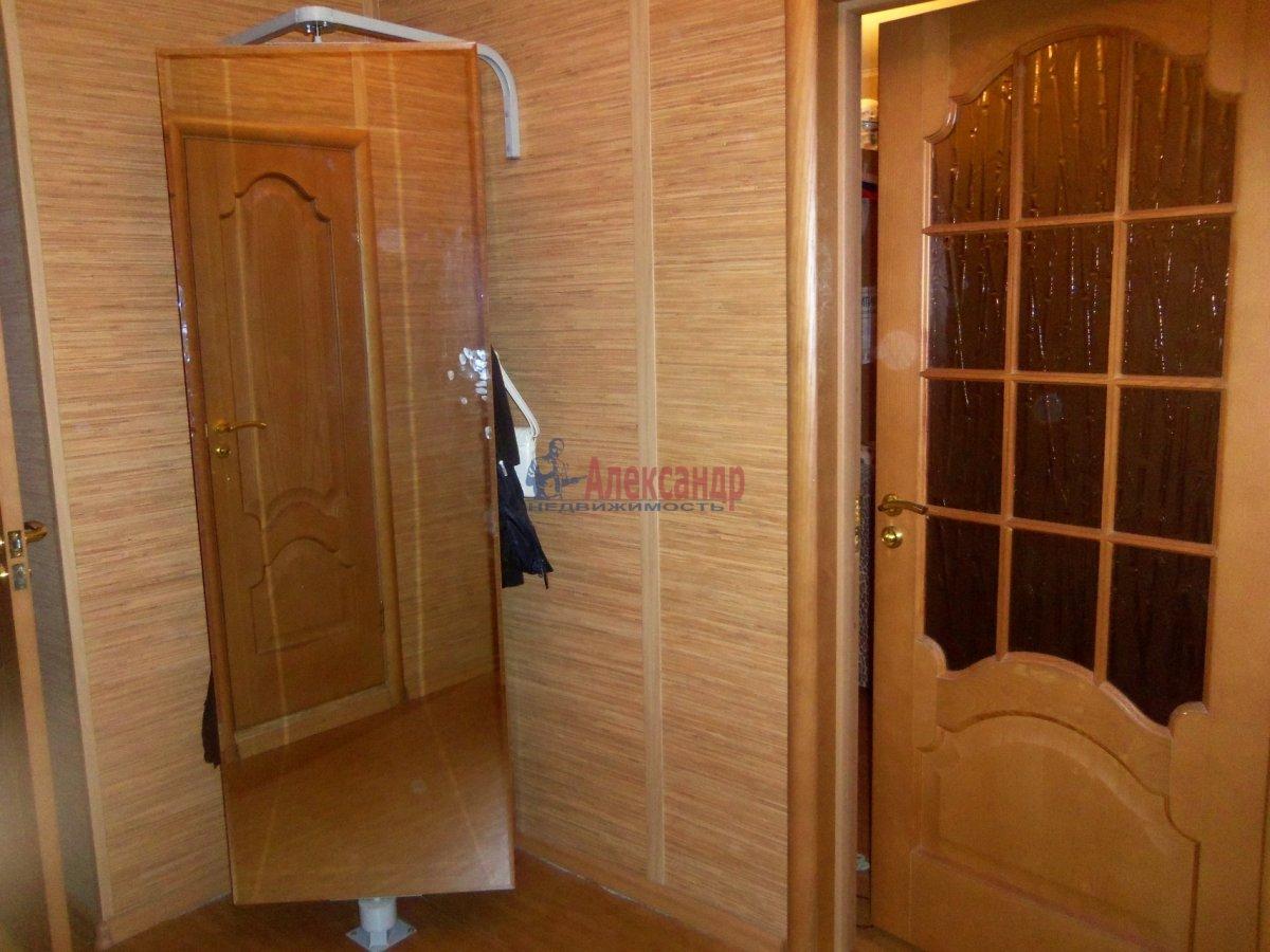 1-комнатная квартира (40м2) в аренду по адресу Камышовая ул., 38— фото 2 из 8