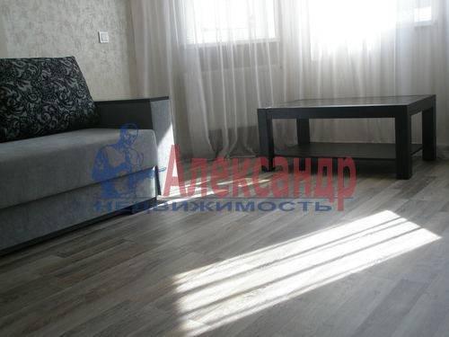2-комнатная квартира (68м2) в аренду по адресу Комендантская пл., 6— фото 7 из 10