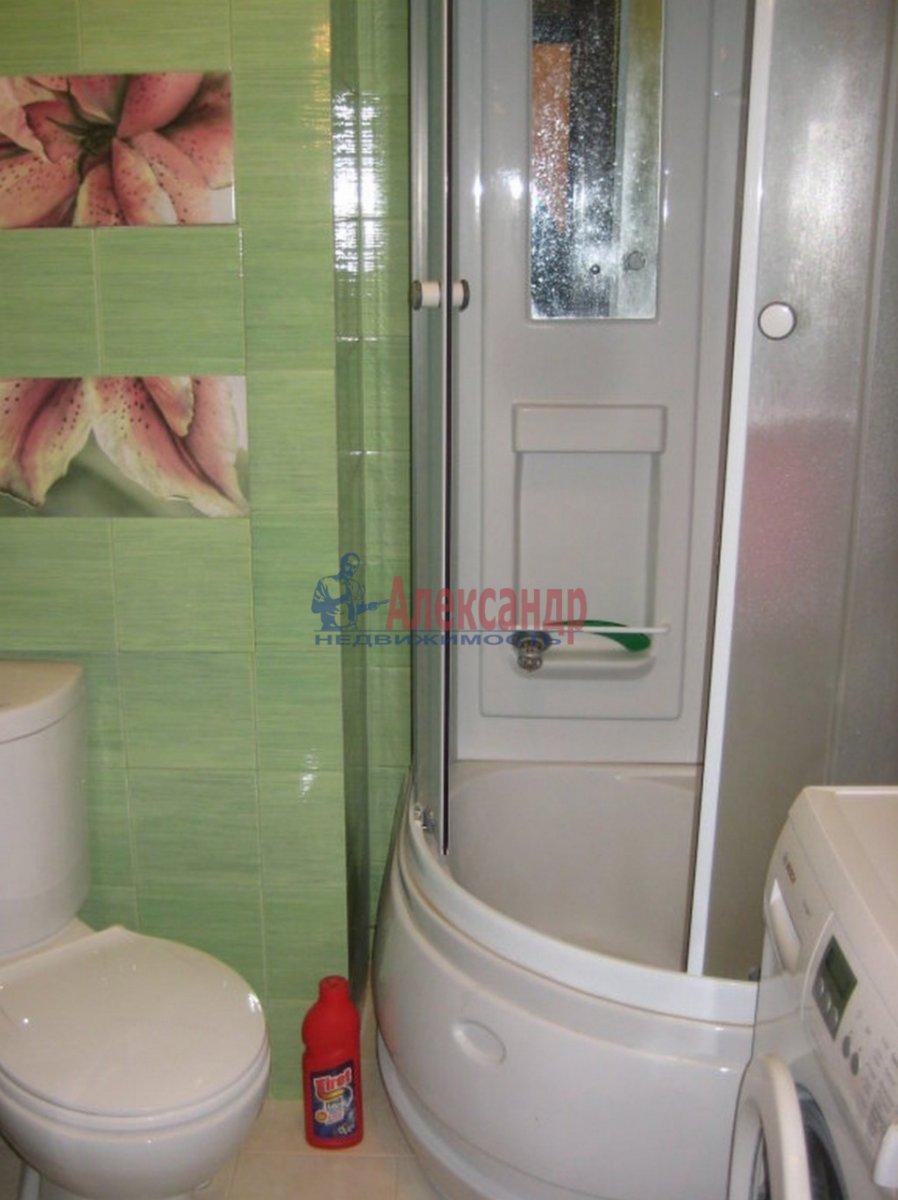 2-комнатная квартира (55м2) в аренду по адресу Парголово пос., Заречная ул., 19— фото 4 из 4