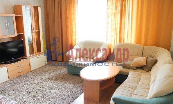 Комната в 2-комнатной квартире (60м2) в аренду по адресу Бассейная ул., 45— фото 1 из 3