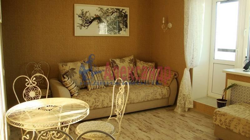 1-комнатная квартира (37м2) в аренду по адресу 3 Верхний пер.— фото 1 из 8
