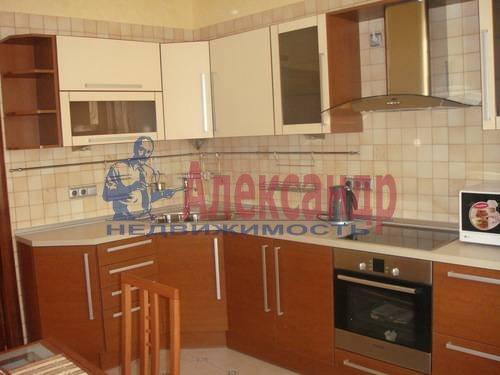 2-комнатная квартира (65м2) в аренду по адресу Ленсовета ул., 88— фото 1 из 13