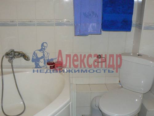 2-комнатная квартира (64м2) в аренду по адресу Дровяная ул., 2— фото 9 из 10