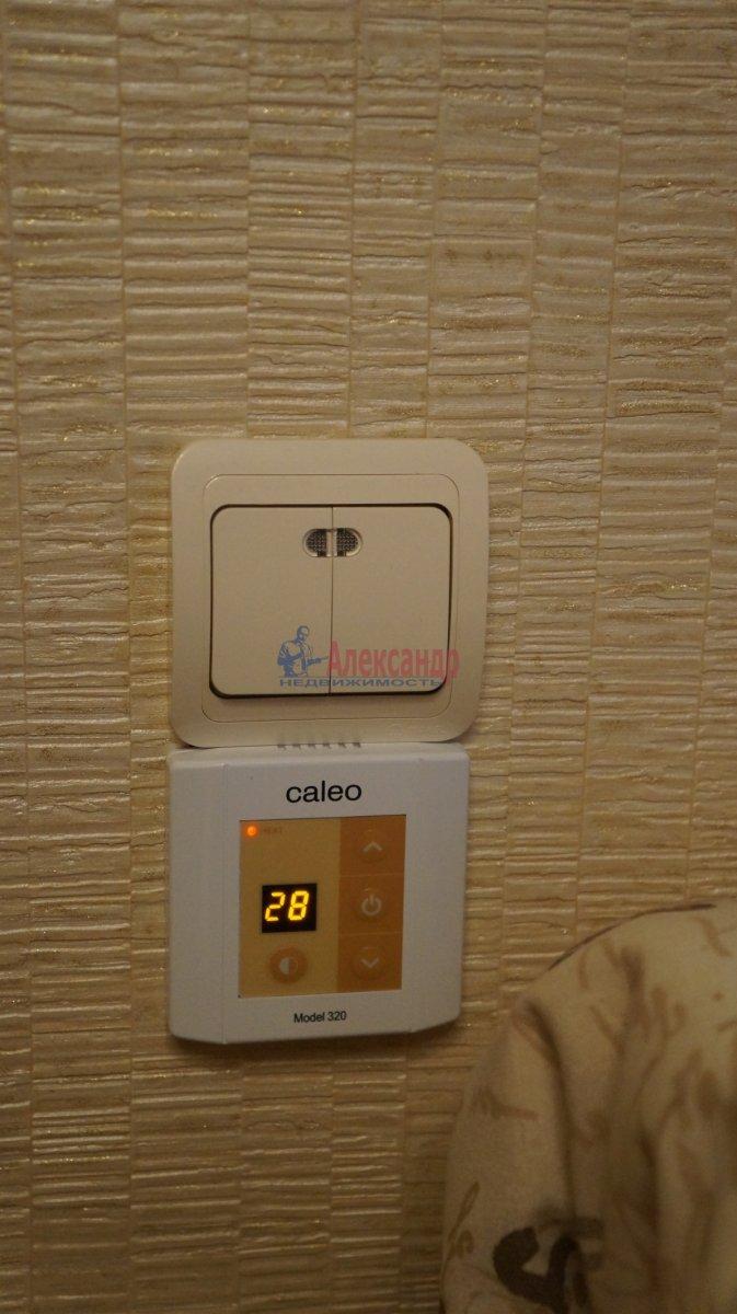 1-комнатная квартира (33м2) в аренду по адресу Кудрово дер., Ленинградская ул., 3— фото 4 из 6