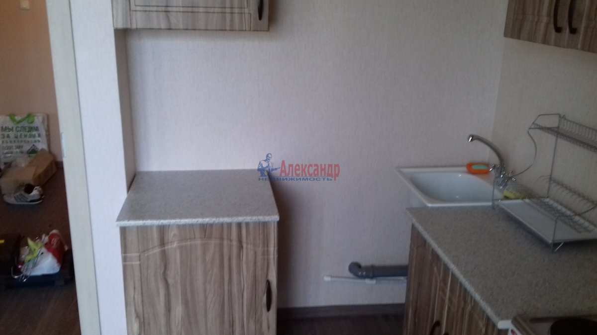1-комнатная квартира (38м2) в аренду по адресу Яхтенная ул., 30— фото 2 из 10