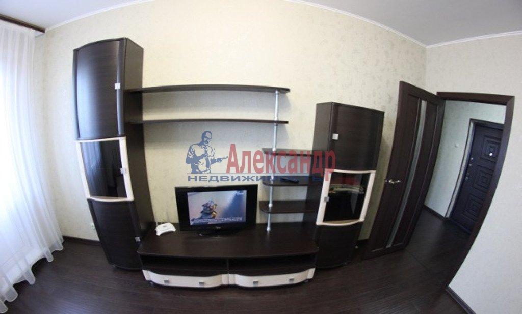 1-комнатная квартира (34м2) в аренду по адресу Обуховской Обороны пр., 195— фото 2 из 5