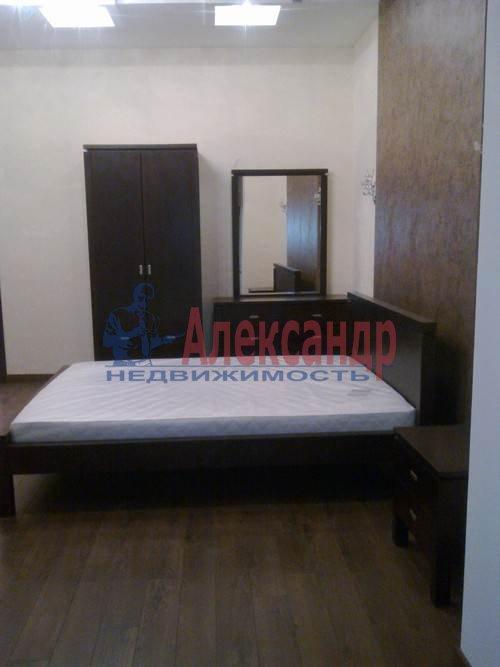 3-комнатная квартира (100м2) в аренду по адресу Коломяжский пр., 15— фото 7 из 11