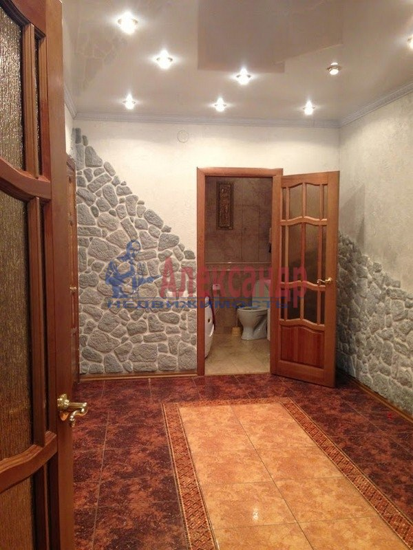 3-комнатная квартира (120м2) в аренду по адресу Выборг г., Московский просп., 9— фото 6 из 6
