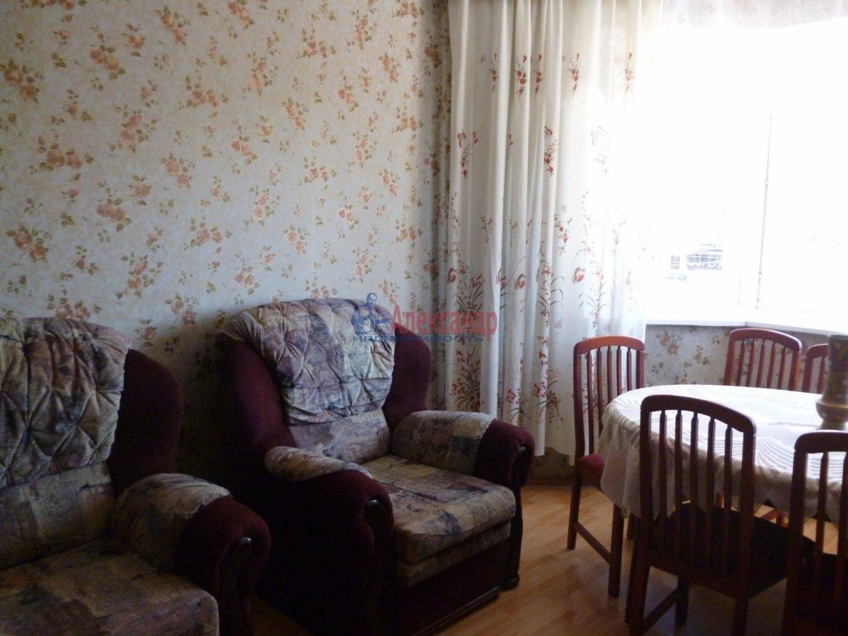 2-комнатная квартира (68м2) в аренду по адресу Комендантский пр., 12— фото 13 из 18