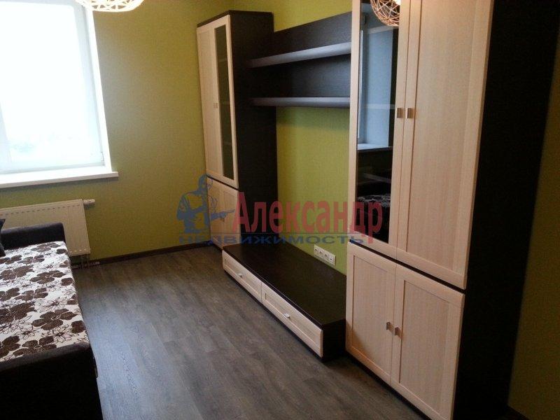 1-комнатная квартира (45м2) в аренду по адресу Софийская ул., 28— фото 3 из 11