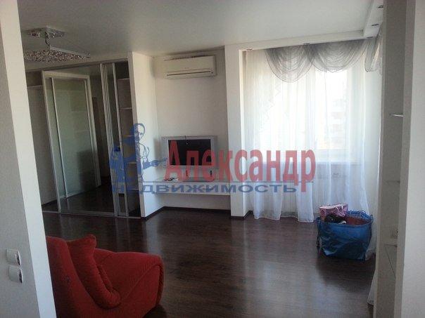 2-комнатная квартира (65м2) в аренду по адресу Конный пер., 1— фото 3 из 8