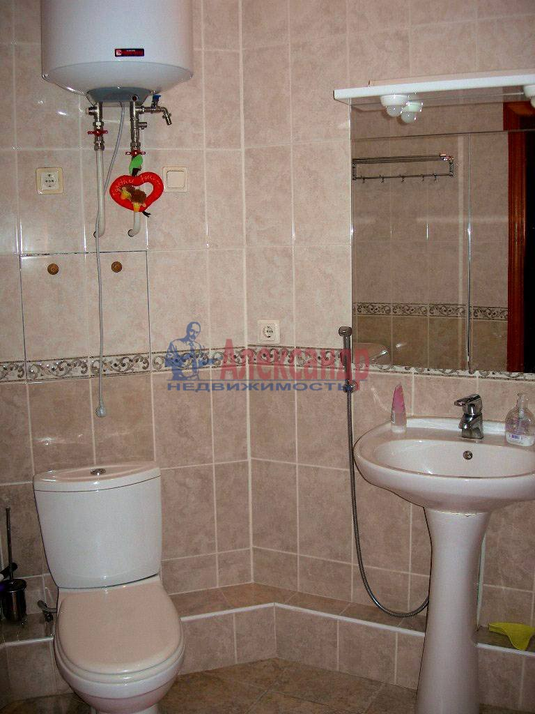 2-комнатная квартира (80м2) в аренду по адресу Невский пр., 158— фото 5 из 11