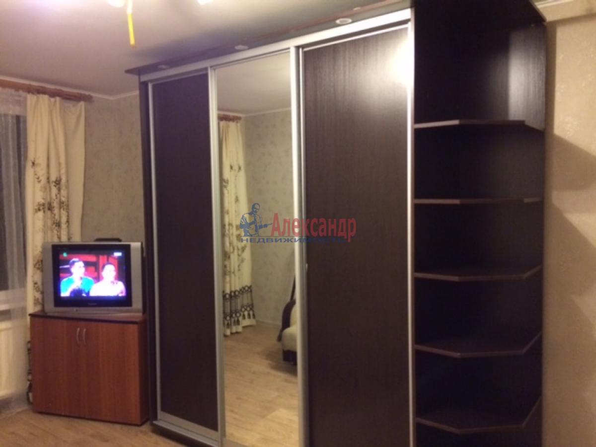 Комната в 3-комнатной квартире (87м2) в аренду по адресу Тельмана ул.— фото 5 из 8