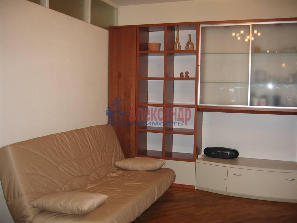 2-комнатная квартира (40м2) в аренду по адресу Малая Посадская ул.— фото 2 из 3