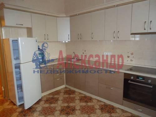 1-комнатная квартира (41м2) в аренду по адресу Луначарского пр., 64— фото 2 из 5