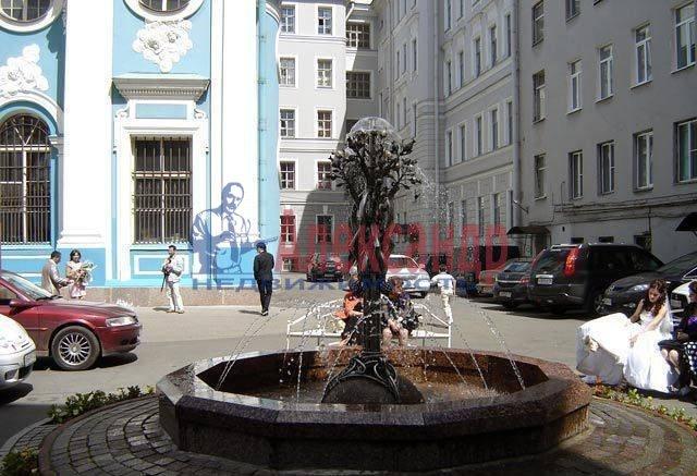 1-комнатная квартира (42м2) в аренду по адресу Невский пр., 40— фото 5 из 5