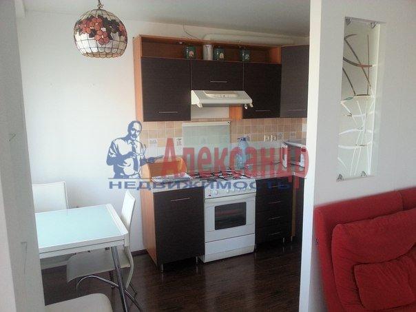 2-комнатная квартира (65м2) в аренду по адресу Конный пер., 1— фото 2 из 8