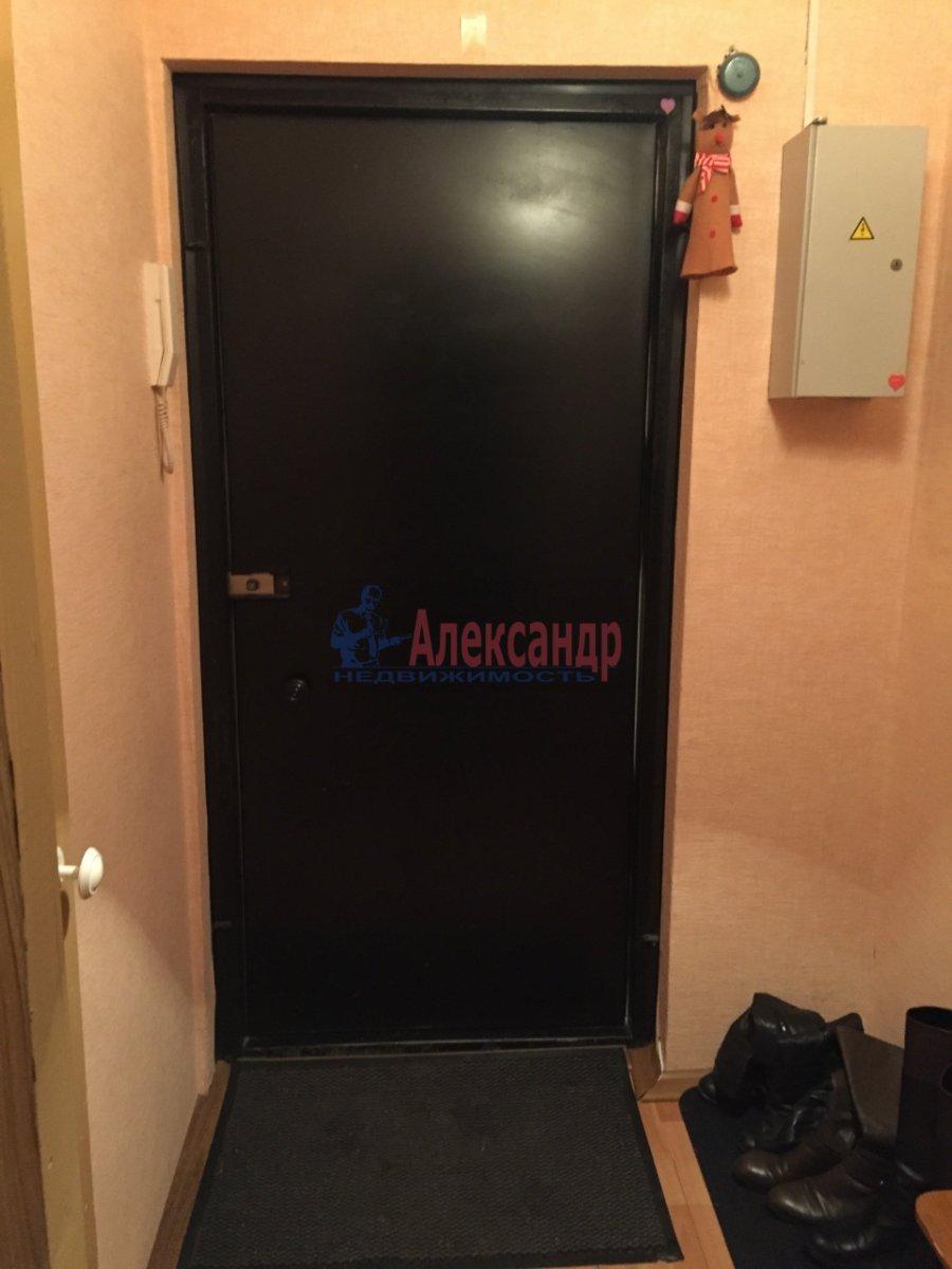 1-комнатная квартира (33м2) в аренду по адресу Васи Алексеева ул., 21— фото 3 из 5