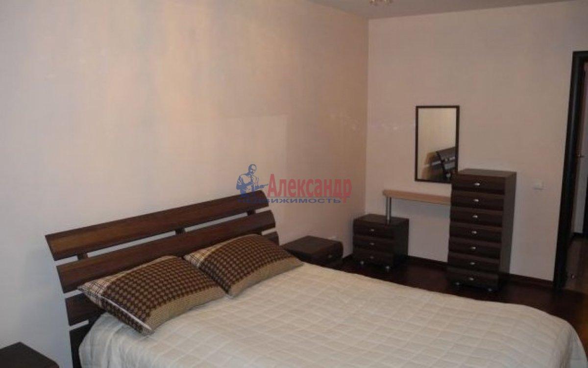 2-комнатная квартира (66м2) в аренду по адресу Ленинский пр., 114— фото 2 из 6