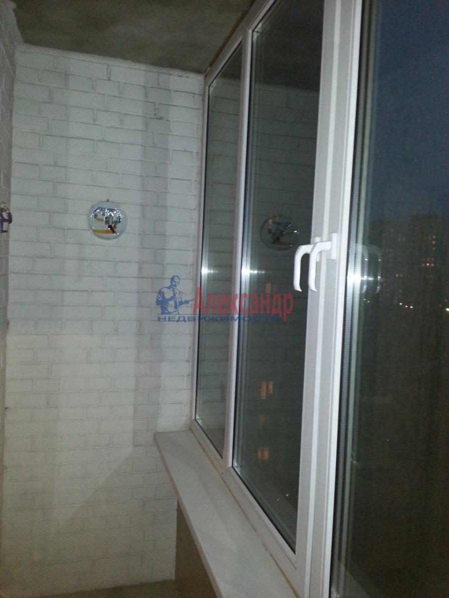1-комнатная квартира (48м2) в аренду по адресу Ленсовета ул., 88— фото 14 из 18