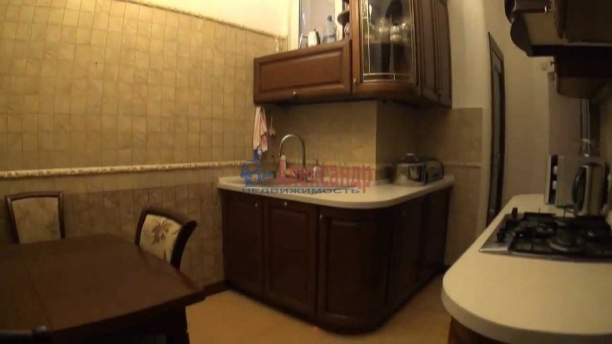 2-комнатная квартира (72м2) в аренду по адресу Подольская ул., 17— фото 3 из 4