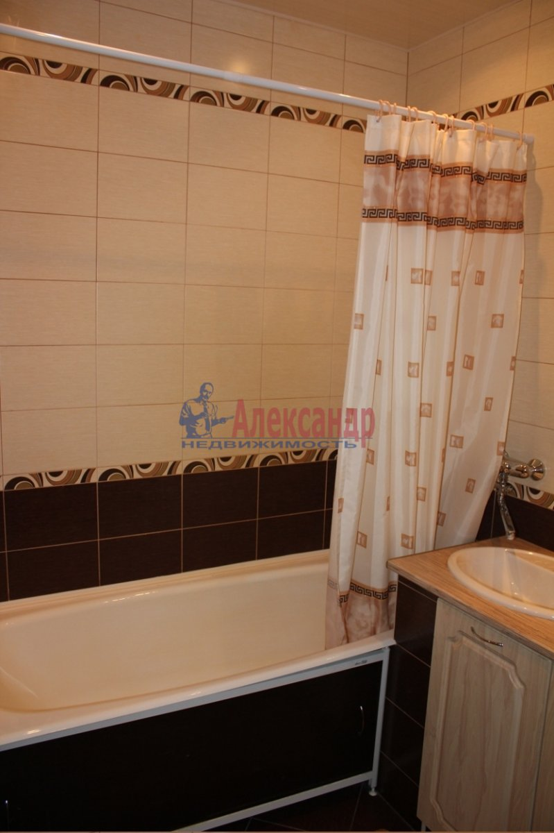 1-комнатная квартира (40м2) в аренду по адресу Варшавская ул., 23— фото 4 из 5