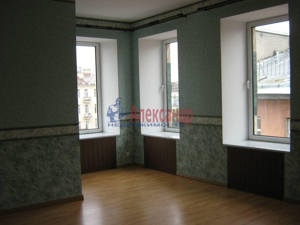 4-комнатная квартира (110м2) в аренду по адресу Суворовский пр., 51— фото 3 из 5