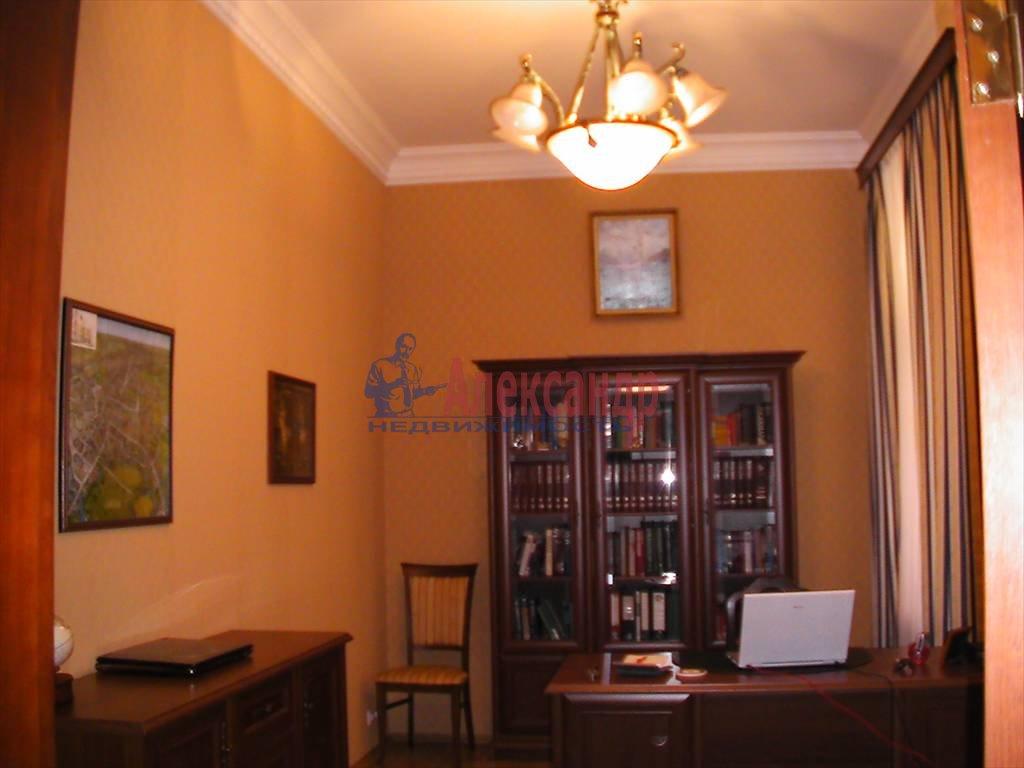 4-комнатная квартира (145м2) в аренду по адресу Большой пр., 70/72— фото 6 из 6