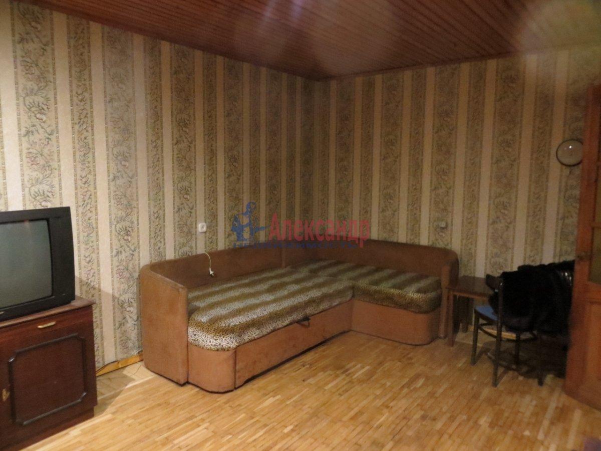 1-комнатная квартира (37м2) в аренду по адресу Ижорская ул., 5— фото 2 из 4
