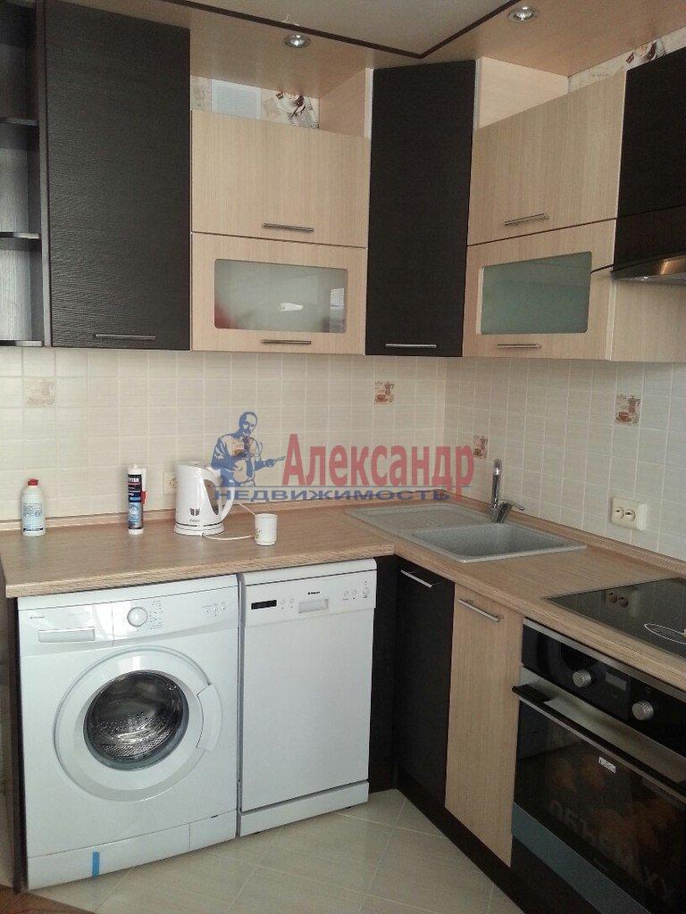 1-комнатная квартира (43м2) в аренду по адресу Ново-Александровская ул., 14— фото 1 из 10