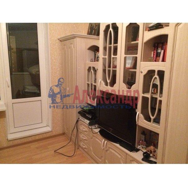 1-комнатная квартира (38м2) в аренду по адресу Шуваловский пр., 37— фото 1 из 10