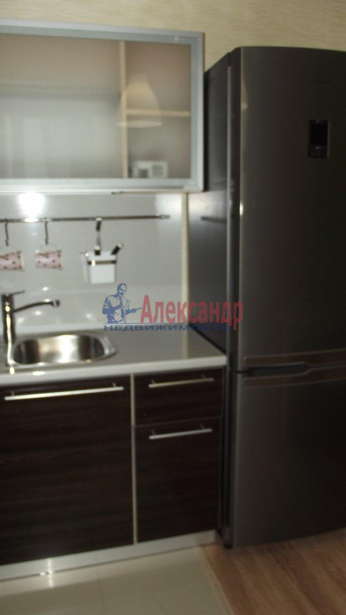 1-комнатная квартира (44м2) в аренду по адресу Ленинский пр., 84— фото 3 из 3