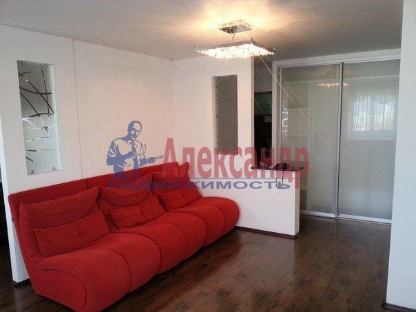 2-комнатная квартира (65м2) в аренду по адресу Конный пер., 1— фото 1 из 8