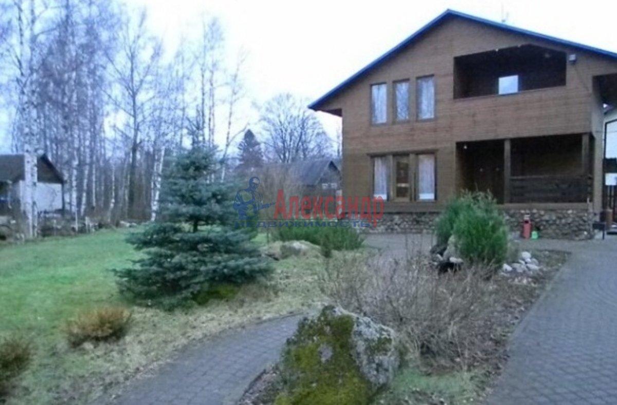Дом (100м2) в аренду — фото 1 из 6
