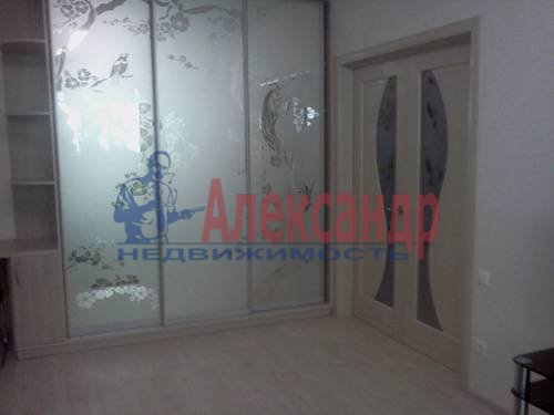 2-комнатная квартира (60м2) в аренду по адресу Катерников ул., 5— фото 2 из 9