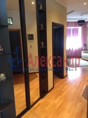 2-комнатная квартира (70м2) в аренду по адресу Науки пр., 17— фото 4 из 6