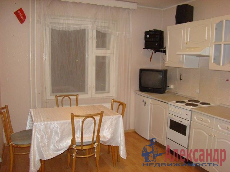 1-комнатная квартира (38м2) в аренду по адресу Сикейроса ул., 12— фото 4 из 6