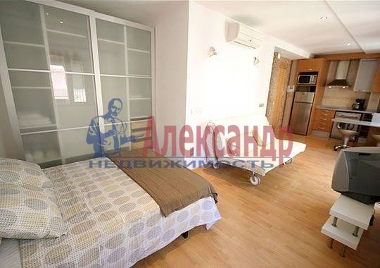 1-комнатная квартира (52м2) в аренду по адресу Исполкомская ул.— фото 2 из 6