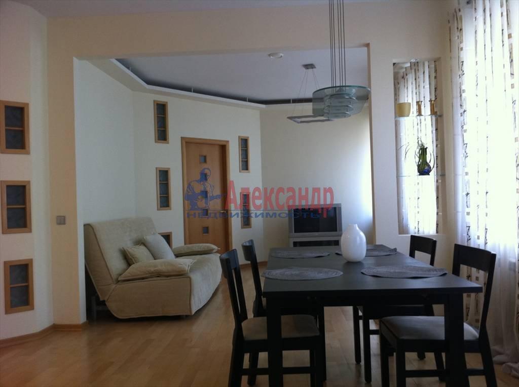 2-комнатная квартира (72м2) в аренду по адресу Никольский пер., 11— фото 1 из 9