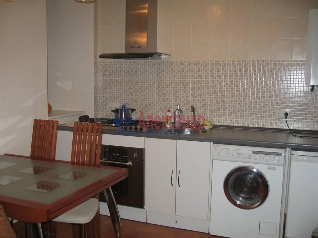 2-комнатная квартира (40м2) в аренду по адресу Малая Посадская ул.— фото 3 из 3