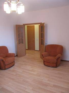 2-комнатная квартира (63м2) в аренду по адресу Авиаконструкторов пр., 16— фото 6 из 10