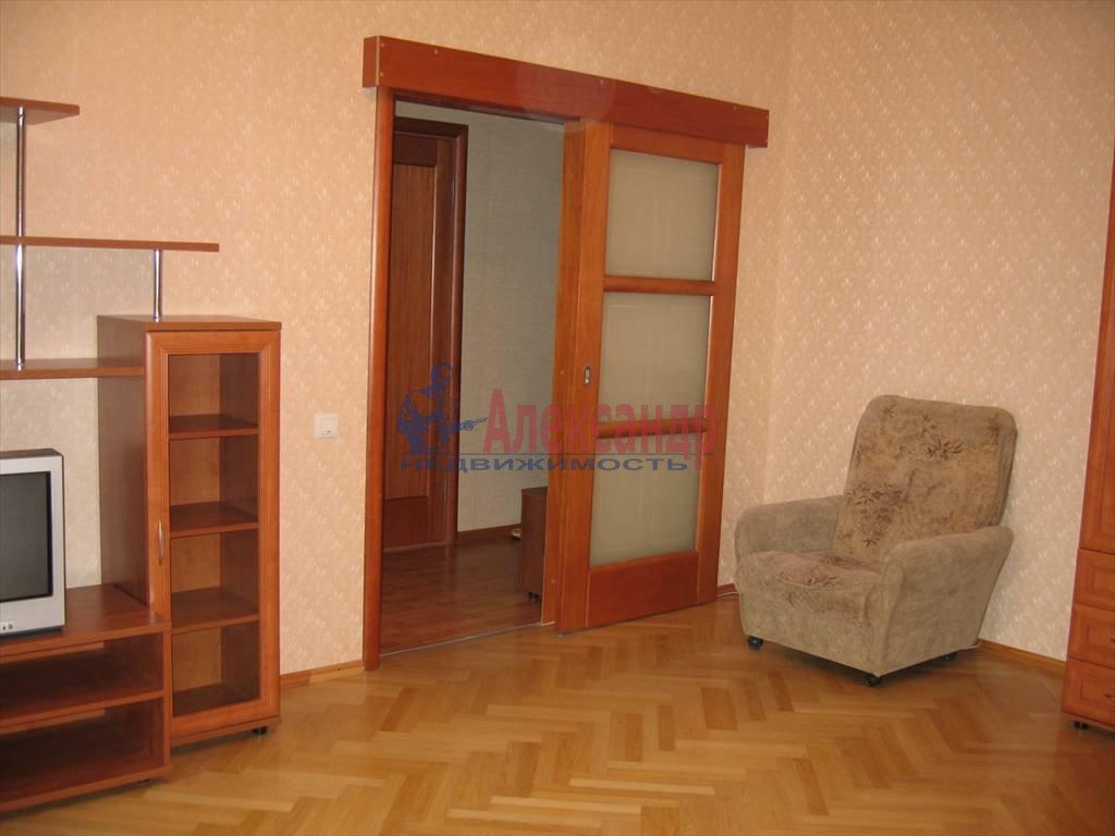 1-комнатная квартира (45м2) в аренду по адресу Кораблестроителей ул., 32— фото 3 из 14