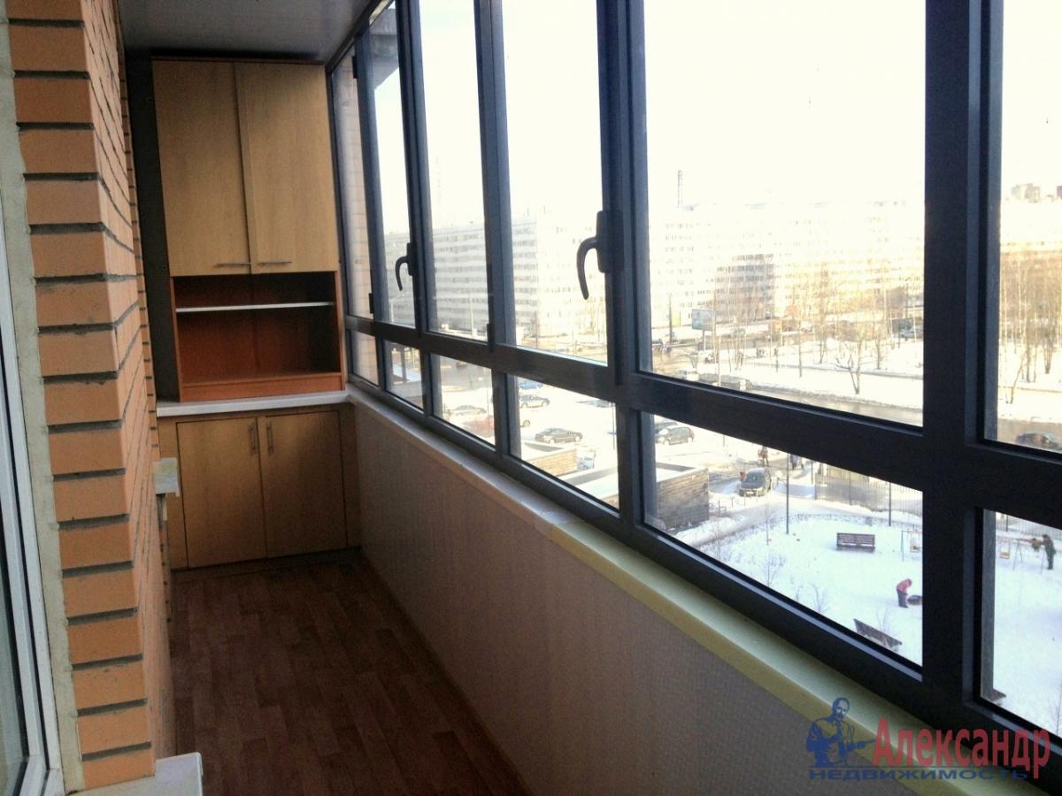 2-комнатная квартира (67м2) в аренду по адресу Космонавтов просп., 63— фото 3 из 10