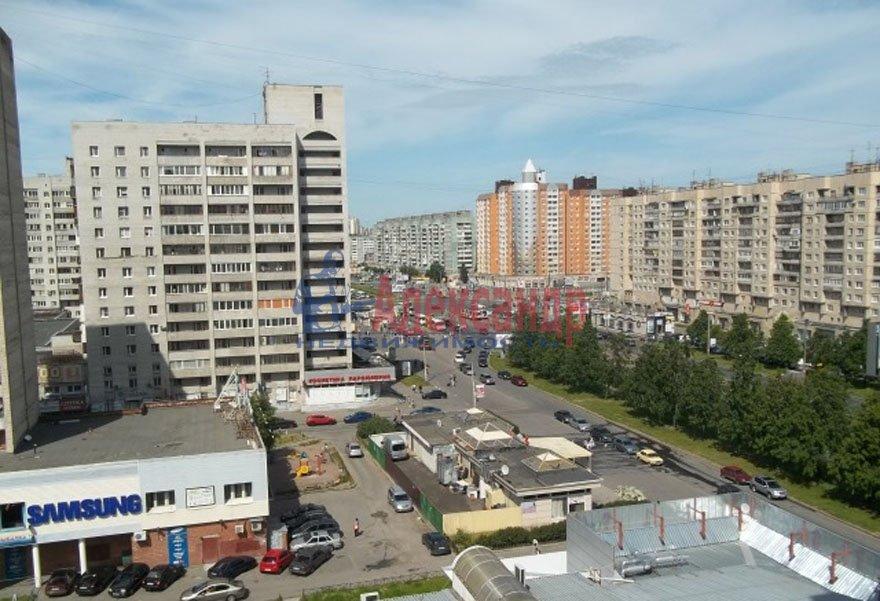 1-комнатная квартира (33м2) в аренду по адресу Просвещения пр., 27— фото 2 из 2