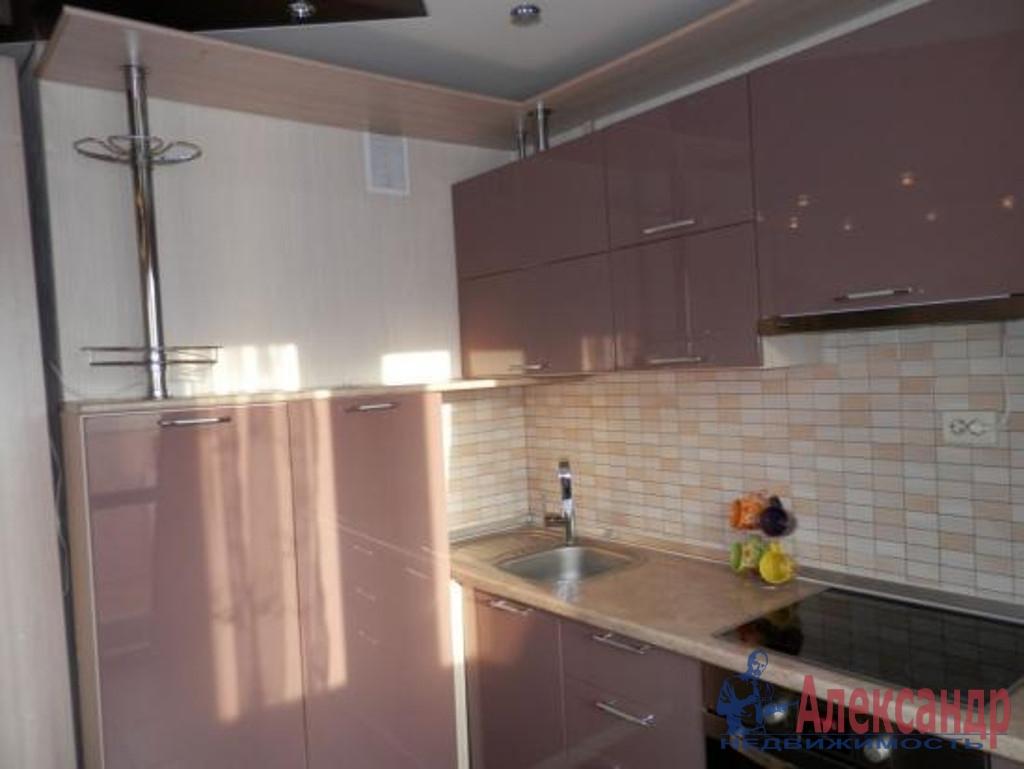 1-комнатная квартира (40м2) в аренду по адресу Вавиловых ул., 7— фото 2 из 3